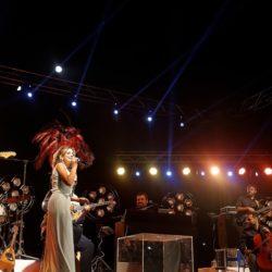 Αποθεώθηκε η Νατάσσα Μποφίλιου στο Φεστιβάλ στη θάλασσα - Λιπάσματα