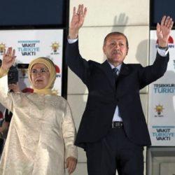 Νικητής των εκλογών με 52,5% ο Ερντογάν – Aμφισβητεί το αποτέλεσμα η αντιπολίτευση