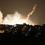 Ισραηλινά πυρά ανατίναξαν αυτοκίνητο στη Λωρίδα της Γάζας