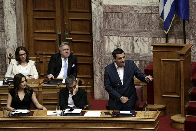 Tσίπρας: Ιστορική η σημερινή συνεδρίαση, τελειώνουμε οριστικά με τα Μνημόνια