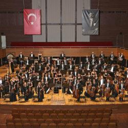 «Σμύρνη–Νέα Σμύρνη Γέφυρες Πολιτισμού» | Ωδείο Ηρώδου Αττικού | Ο Γιώργος Νταλάρας με τη Συμφωνική Ορχήστρα της Σμύρνης