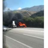 Κρήτη: Αυτοκίνητο τυλίχθηκε στις φλόγες