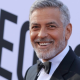 Αγνώριστος ο George Clooney στην νέα του ταινία για το Netflix