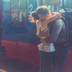 Οι άνθρωποι ψάχνουν στο Google τι είναι η αγάπη και οι ειδικοί αποφάσισαν να τους δώσουν την απάντηση