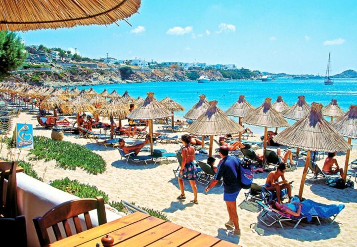 Κορονοϊός: Ανοίγουν το Σαββατοκύριακο οι οργανωμένες παραλίες