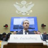 Το Facebook έλαβε το πρώτο πρόστιμο-ρεκόρ μετά το σκάνδαλο της Cambridge Analytica
