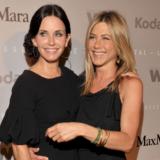 Jennifer Aniston - Courteney Cox: Τα «φιλαράκια» γίνονται κουμπάρες!