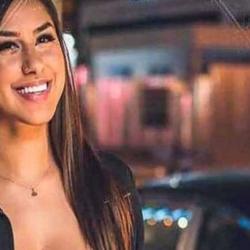 Η τηλεοπτική Πωλίνα από το Καφέ της Χαράς είναι έγκυος και μας δειχνει την φουσκωμένη της κοιλίτσα