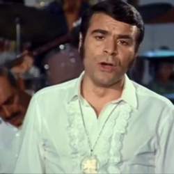 Έφυγε από τη ζωή ο ηθοποιός Γιώργος Παπαζήσης