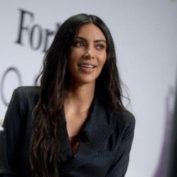 Kim Kardashian: Θύελλα αντιδράσεων για τη νέα σειρά εσωρούχων που κυκλοφόρησε