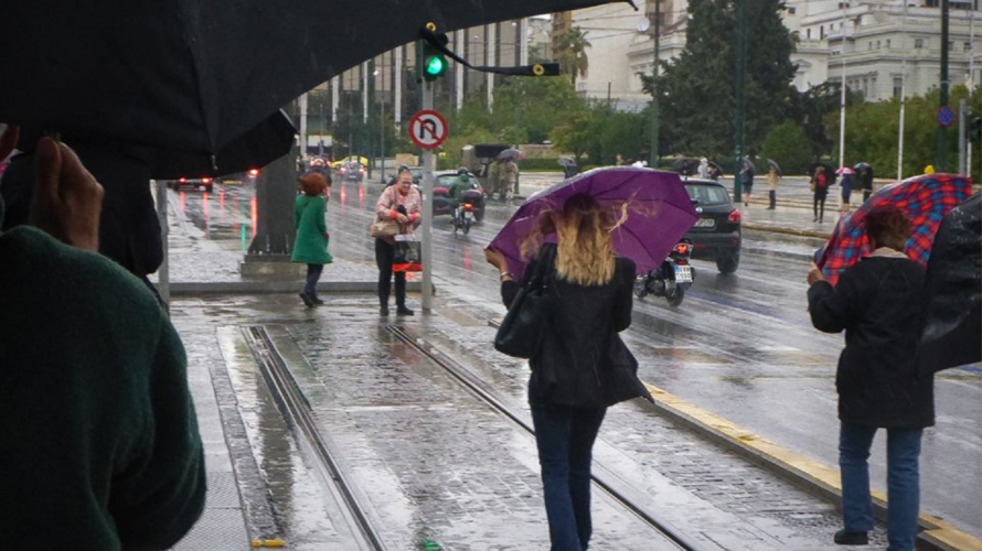 Επελαύνει ο κυκλώνας «Ζορμπάς» - Κίνδυνος για πλημμύρες στην Αττική