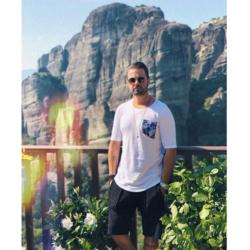 Ηλίας Βρεττός: «Σκηνοθέτησε» εσύ το νέο του video clip