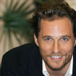 "O Matthew McConaughey μιλάει για τις διακοπές του στην Ελλάδα χαρακτηρίζοντας την ως ""Παράδεισο»"