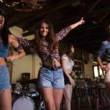 Κατερίνα Λιόλιου: Με country διάθεση στο νέο της βίντεο κλιπ «Μεγάλα Λόγια»