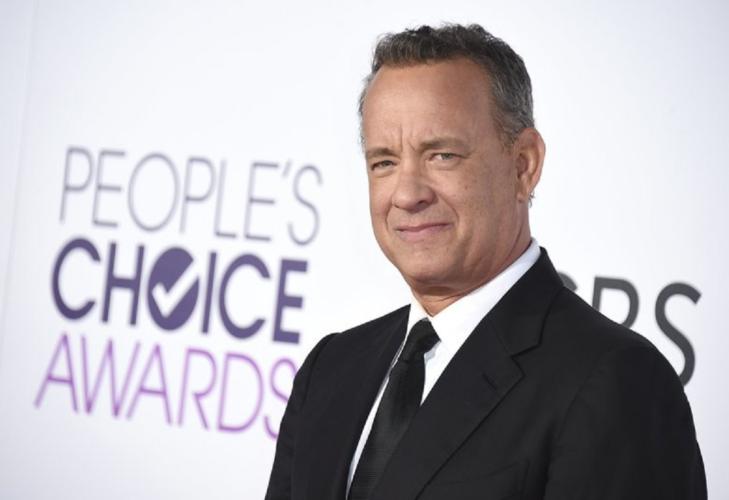 Δείτε τον Tom Hanks σε ηλικία 18 χρονών με μακρύ μαλλί και κοστούμι