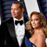 Η Jennifer Lopez με μπικίνι και το μήνυμα του Rodriguez ότι «του λείπει»