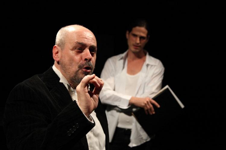 Οι Επικίνδυνες Μαγειρικές του Ανδρέα Στάικου επιστρέφουν στο Θέατρο Αλκμήνη για λίγες παραστάσεις