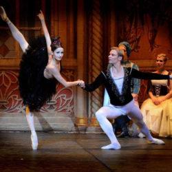 Η Λίμνη των Κύκνων από το Russian Ballet Theater στο Δημοτικό Θέατρο Πειραιά