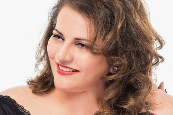 Η Μαρία Σουλτάτου στη μουσική σκηνή Σφίγγα