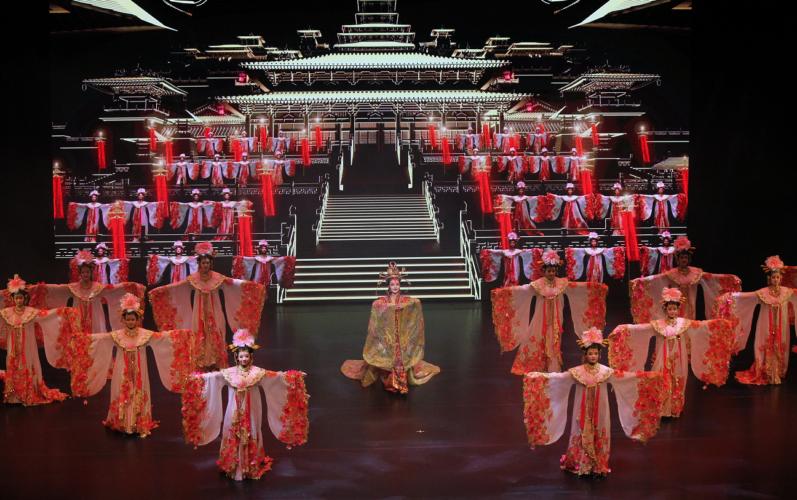 Η Συνάντηση των χιλιετιών στο Θέατρο Παλλάς