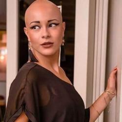 Λυδία Κατσανικάκη: Έκλεψε τις εντυπώσεις με την πασαρέλα της στο Athens Xclusive Designers Week!