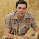 O Ιωάννης Αθανασόπουλος αποκαλύπτει το αντικείμενο που έχει κρατήσει από τις Άγριες Μέλισσες
