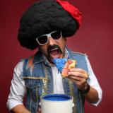 Αποστόλης Μπαρμπαγιάννης: Τσολιάς εν δε Τσόλια Μπαντ «Πίτσες Μπλε» στο Art Nouveau, Λιβαδειά