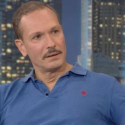 Βασίλης Κούκουρας: Η συγκίνηση του «Μάνθου» όταν ξανά τηλεφωνήθηκε με την «Πέγκυ»