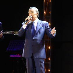 Μάγεψε ο ανεπανάληπτος Τόλης Βοσκόπουλος σε μια sold out συναυλία στο Θέατρο Άλσος!