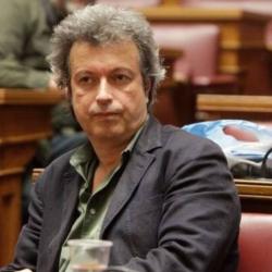 Αποσωληνώθηκε ο Πέτρος Τατσόπουλος: Παραμένει στην Εντατική