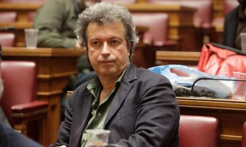 Ο Πέτρος Τατσόπουλος διαγνώστηκε με ανεύρυσμα και οδηγείται στο χειρουργείο