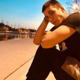 Ο Γιώργος Κακοσαίος αποκάλυψε πως ανακοίνωσε στους γονείς του ότι παρατάει το ποδόσφαιρο για να γίνει τραγουδιστής