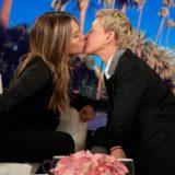 Το απίστευτο φίλη της Jennifer Aniston με την Ellen DeGeneres στο στόμα