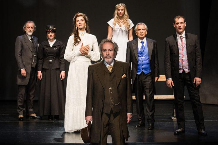 Αρχιμάστορας Σόλνες στο Θέατρο Ιλίσια