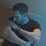 Στράτος Καραλής - «Αχ Και Να Ήσουνα Εδώ»   Νέο τραγούδι & video clip