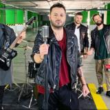 Alcatrash - «Δε Μ' Ακουμπάς»: Η πιο ταλαντούχα μπάντα ξεσηκώνει με νέο τραγούδι & music video