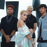 H Lali κυκλοφορεί το νέο της single και video COMO ASI σε συνεργασία με τους CNCO!