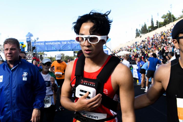 Ντονγκ Χο Χαν: Ο τυφλός αθλητής από την Κορέα που τερμάτισε στον Μαραθώνιο χωρίς συνοδό