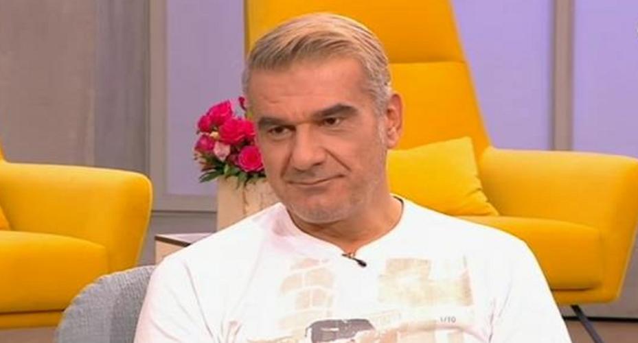 """Κώστας Αποστολάκης: """"Πήγα να βάψω τα μαλλιά μου μαύρα κι έγινα σαν τον Τσαουσόπουλο"""""""