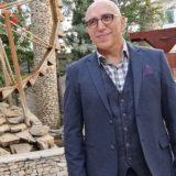 Ο Χάρης Γρηγορόπουλος αποκαλύπτει γιατί αρνήθηκε αρχικά να παίξει στην επιστροφή του Καφέ της Χαράς