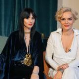 Η Έλενα Χριστοπούλου και η Ζενεβιέβ Μαζαρί μας δείχνουν την τελευταία τους φωτογραφία μέσα στο κοινό τους καμαρίνι