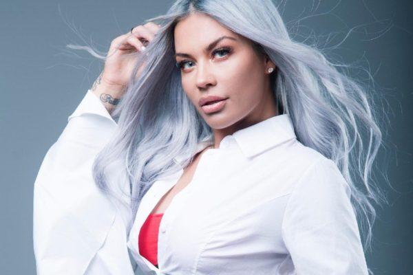Naya: Προκαλεί «καύσωνα» με το μαγιό και το νέο της τραγούδι