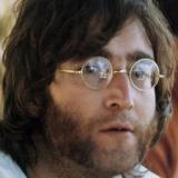 Σε δημοπρασία τα εμβληματικά στρογγυλά γυαλιά του John Lennon