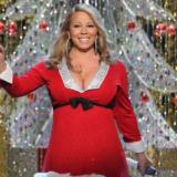 Η Mariah Carey έγινε η πρώτη τραγουδίστρια με πρωτιά στο Billboard για 4 σερί δεκαετίες με το ίδιο τραγούδι