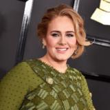 Δείτε την Adele πιο αδύνατη από ποτέ | Είναι αγνώριστη