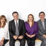 Το Καφέ της Χαράς: Σαρωτικά ποσοστά τηλεθέασης στην πρεμιέρα της σειράς