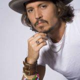 Ο Johnny Depp ετοιμάζει μιούζικαλ για τη ζωή του Michael Jackson