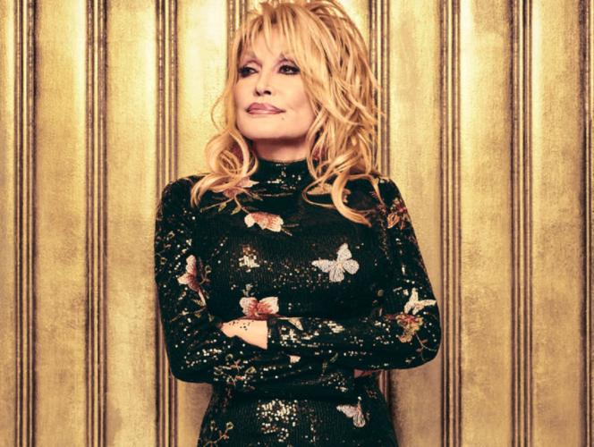 Άγαλμα της Dolly Parton αντί προτομής στελέχους της KKK