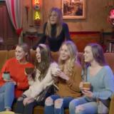 Η απίστευτη φάρσα της Jennifer Aniston σε θαυμαστές της σειράς Φιλαράκια, που βρέθηκαν στο πλατό της σειράς και το καφέ Central Perk