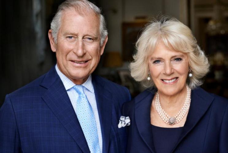 Ο Πρίγκιπας Κάρολος και η Camilla επιβεβαίωσαν την επίσκεψή τους στην Ελλάδα με μια φωτογραφία στο Σύνταγμα